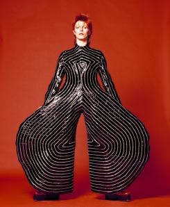 Striped_bodysuit_for_Aladdin_Sane_tour-slide